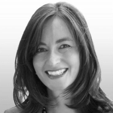 Claudia Kratel Headshot