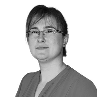 Claudia Menschel Headshot