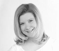 Claudia Purzer  Headshot