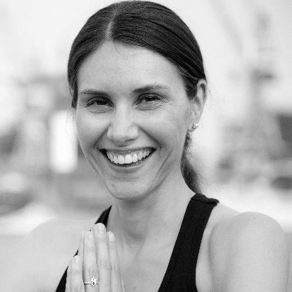 Claudia Schnackenberg Headshot