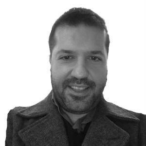Κωνσταντίνος Τσαμάκης Headshot