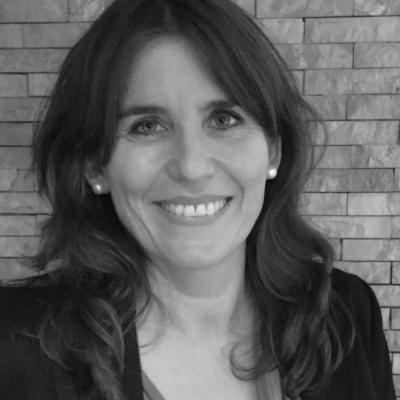 Corinna Knauff Headshot