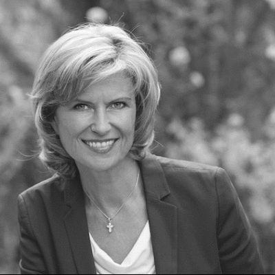 Dagmar G. Wöhrl  Headshot