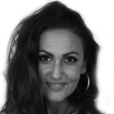 Dana Cristina Straut