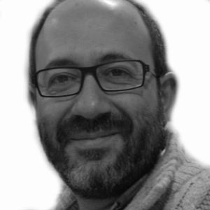 Daniel Izuzquiza Headshot