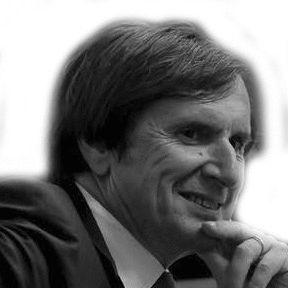 Daniel Rondeau Headshot