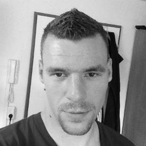 Daniel Schneevoigt  Headshot