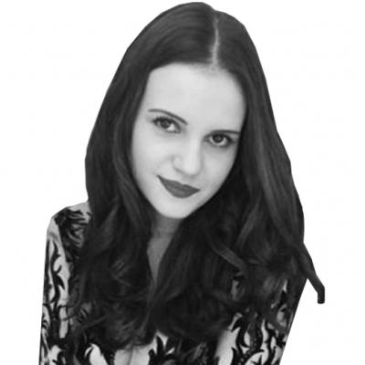 Daniela Schwanke Headshot