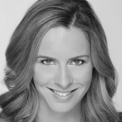 Danielle Rothweiler Headshot