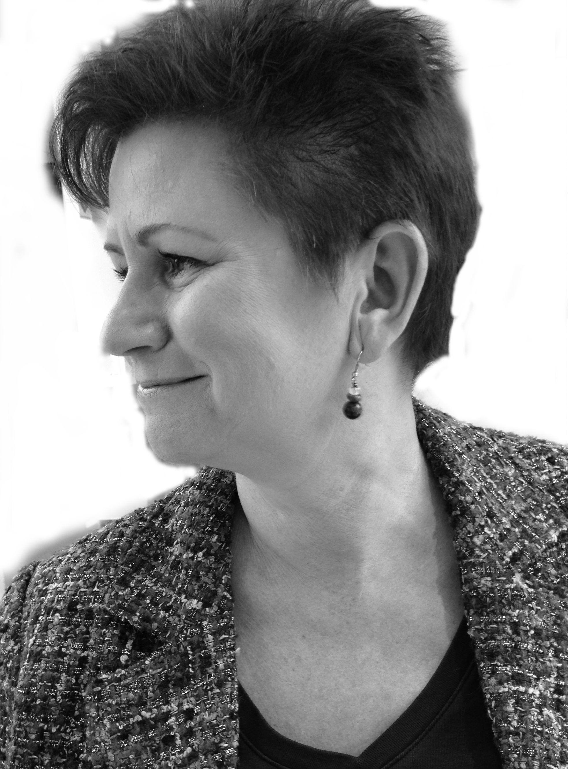 Darlene Sneden Headshot