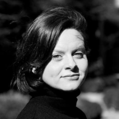Dawn E. Quaker