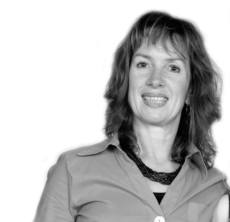 Deborah Dooley Headshot