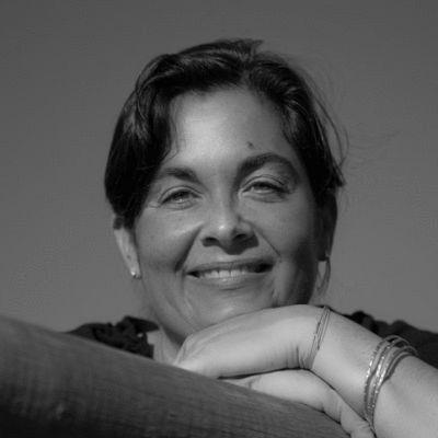 Deborah Schoeberlein Headshot