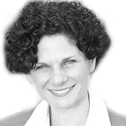Deborah Sumner Headshot