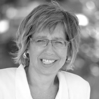 Debra Levine Headshot