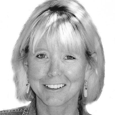 Denise Cullen Headshot