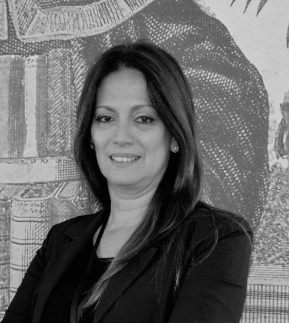 Denise Tessariol Hachul Headshot