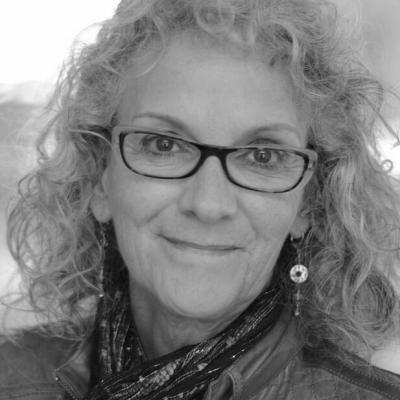Diane Schoemperlen Headshot