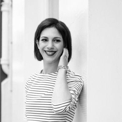 Dina Behrman Headshot
