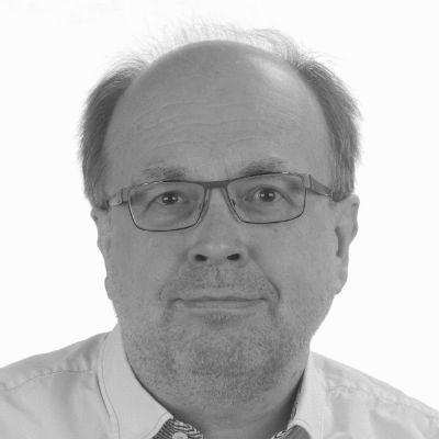 Dirk Candidus Headshot