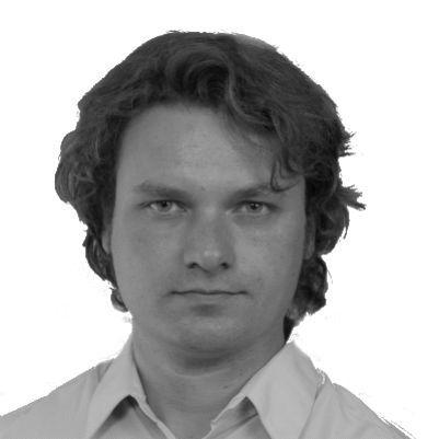 Dominik Sarota Headshot