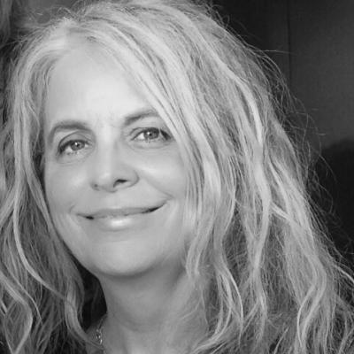 Donna Jean Freberg Headshot