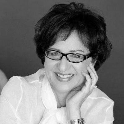 Dora Levy Mossanen Headshot