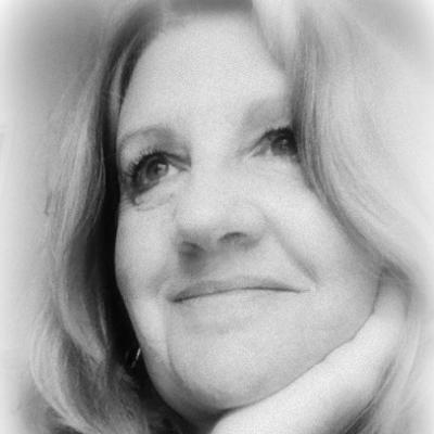 Dorothy Sander Headshot