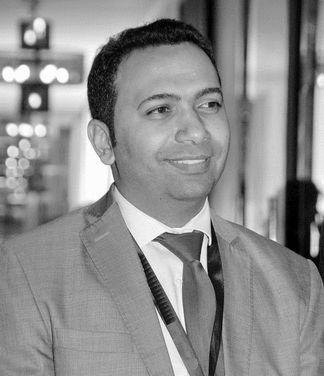د.أشرف صالح محمد Headshot