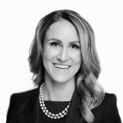 Dr. Caitlin Dunne Headshot