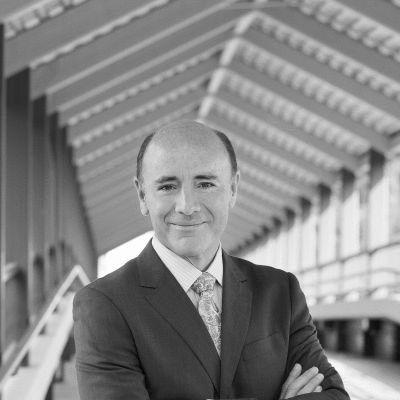 Dr. Carlos Campo Headshot