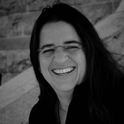 Dr. Carmen Cruz