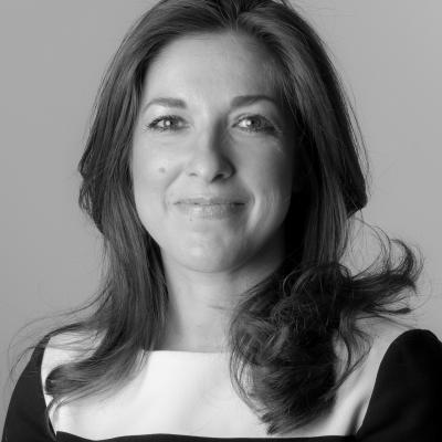 Dr Hayley van Zwanenberg
