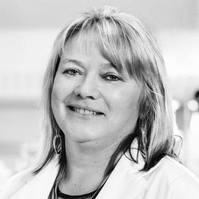Dr. Imogen Coe Headshot