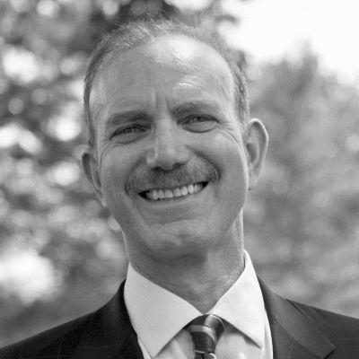 Dr. Jonathan Gibralter Headshot