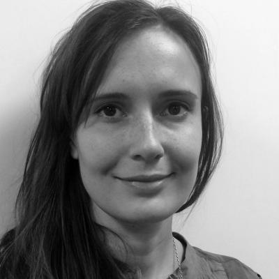 Dr Julia Halej
