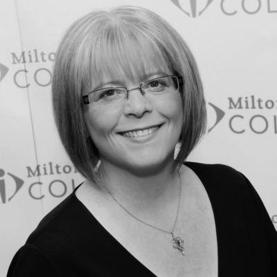Dr Julie Mills
