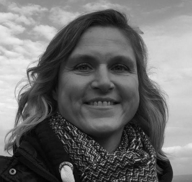 Dr Katharina Roberts