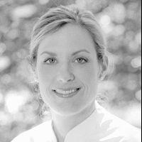 Dr. med. Carolyn Krieg Headshot
