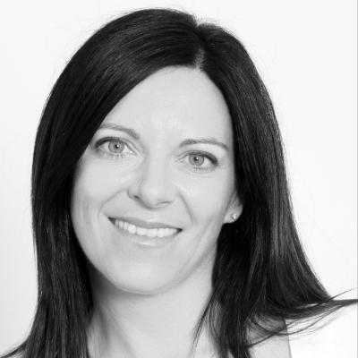 Dr Sarah Schenker Headshot