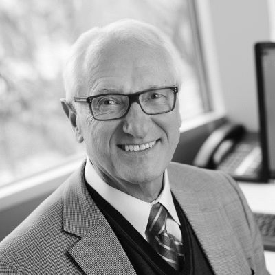 Dr. Steve Truch  Headshot