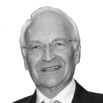 Dr. Edmund Stoiber Headshot