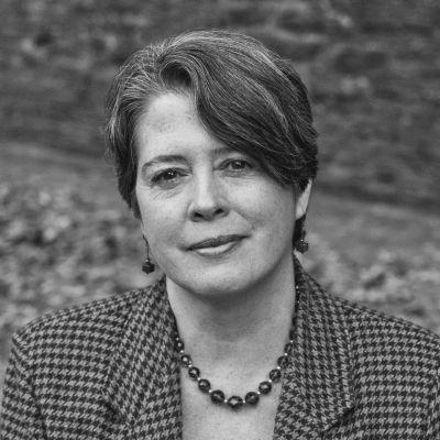 Eileen Flanagan Headshot