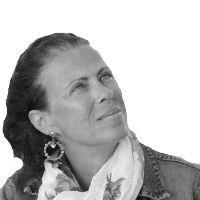 Έλενα Ντάκουλα
