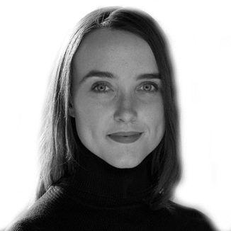 Elizabeth Grace Saunders Headshot