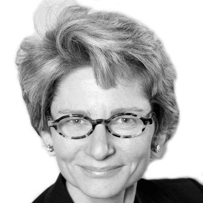 Elizabeth Marincola Headshot