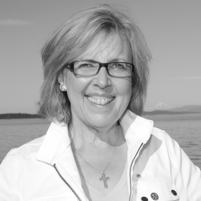 Elizabeth May Headshot