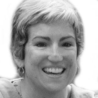 Emily Leys Headshot