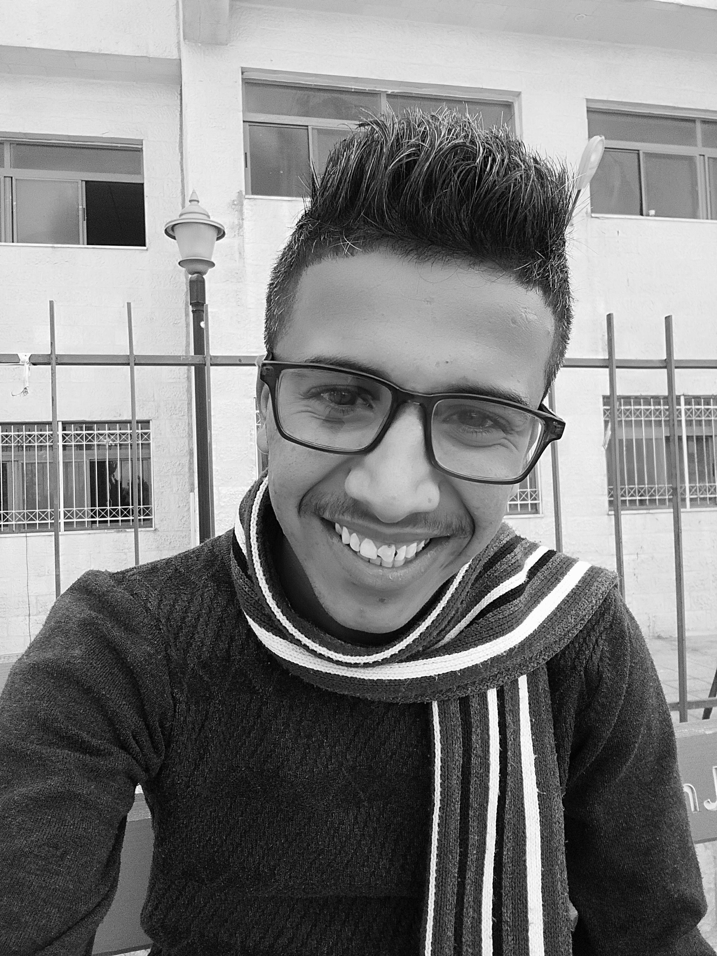 فايز محمد العظامات Headshot