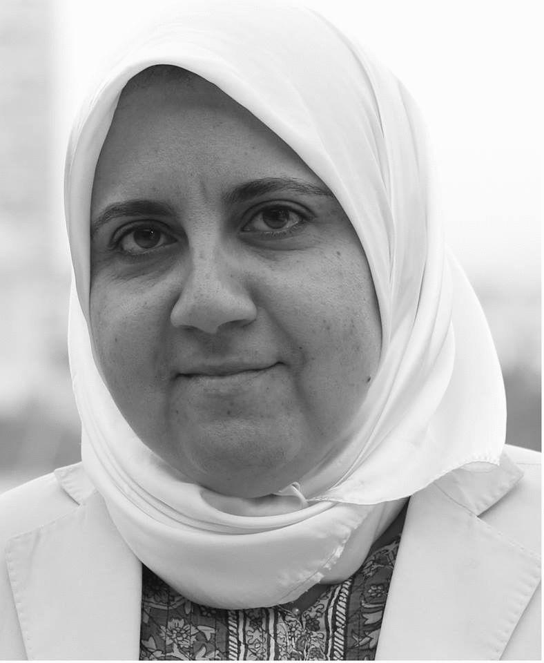 فيروز عمر  Headshot
